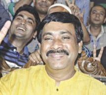 কুমিল্লার মেয়র সাক্কুর বিরুদ্ধে গ্রেফতারি পরোয়ানা