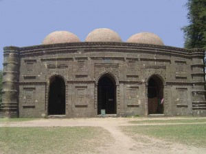 Kusumba Mosque at Naogaon Rajshahi2